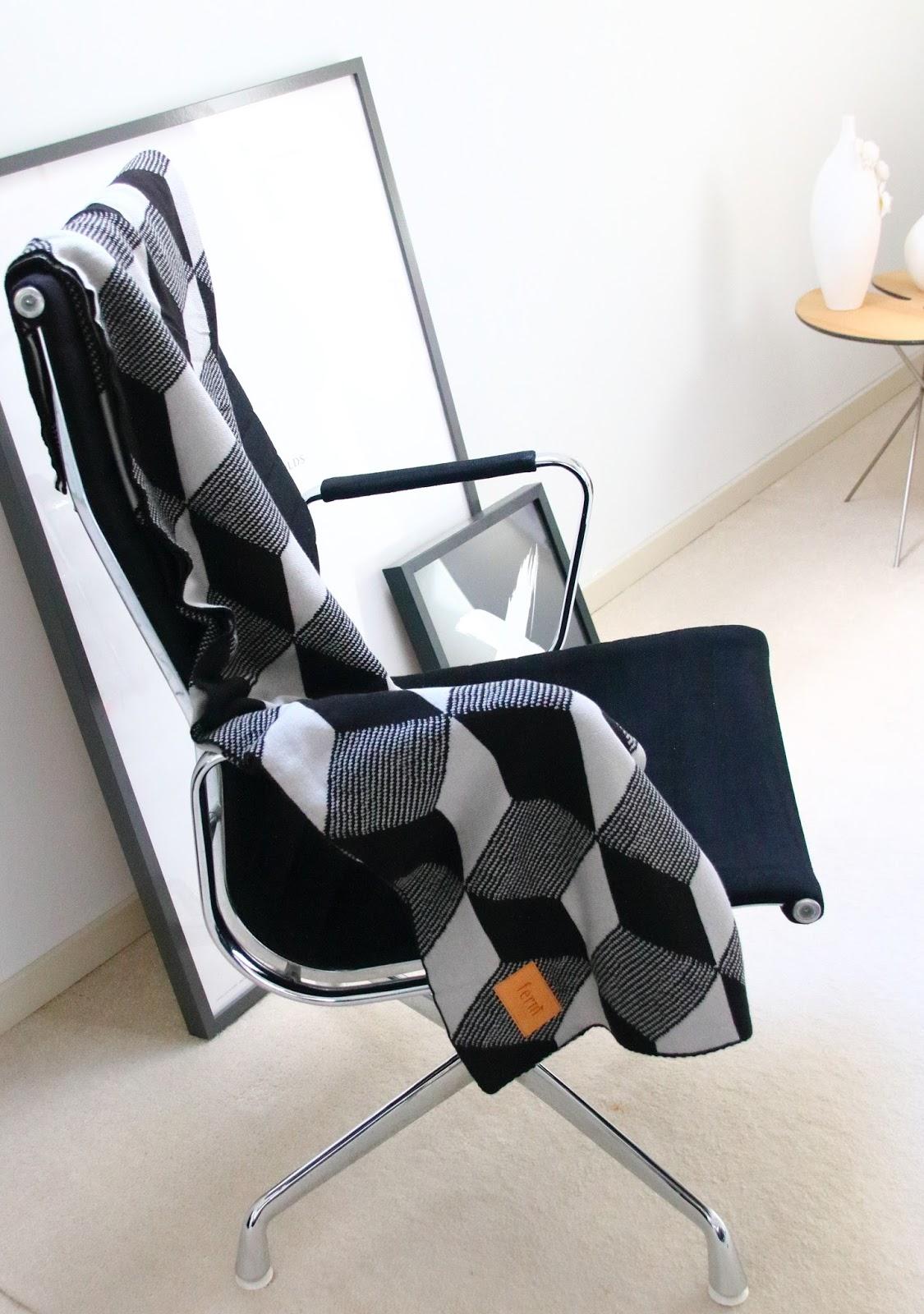 Designedlifeblog.blogspot.com Captains chair