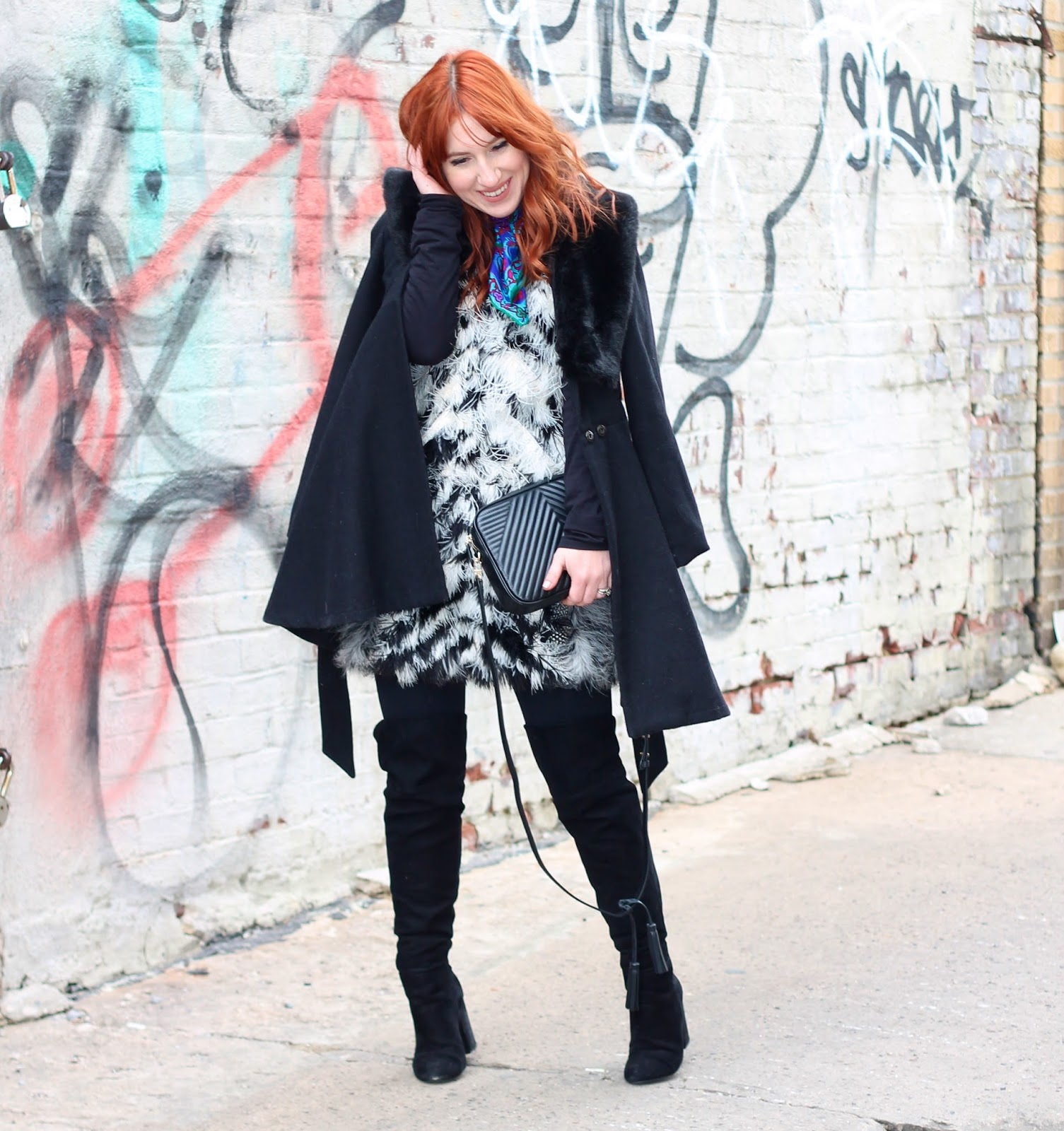 feathers, how to add texture to your outfit, feather outfits, fashion week style, what to wear to fashion week in the winter, winter fashion week style, fashion week, winter fashion week