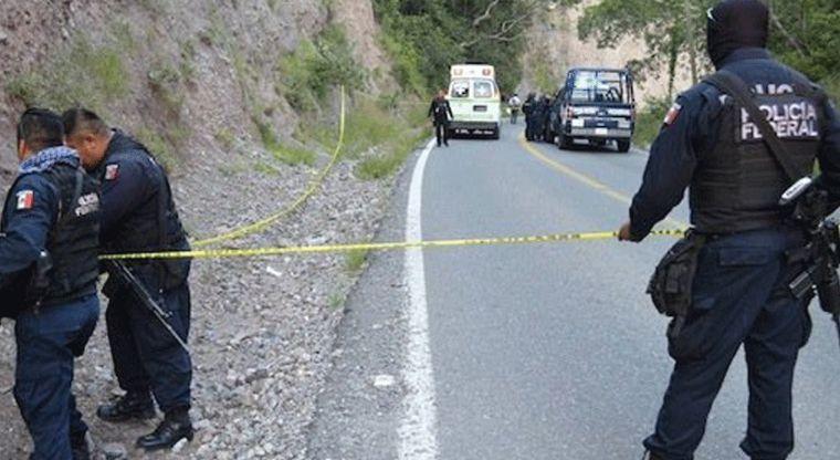 Arrestan a presuntos asesinos de normalistas de Ayotzinapa