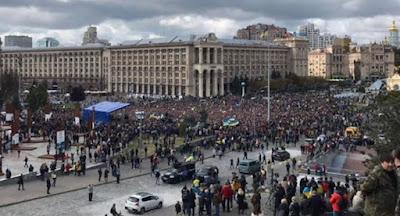 """По всей Украине состоялись акции против капитуляции в виде """"формулы Штайнмайера"""""""