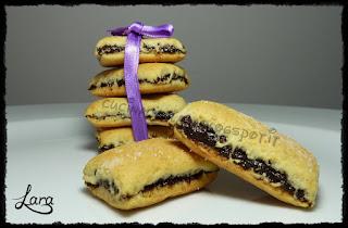 http://cucinaconlara.blogspot.it/2017/03/biscotti-con-prugne-secche-o-biscotti.html