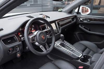 2016 Porsche Macan S interior image