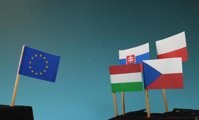 Μεταναστευτικό: Η «Ομάδα του Βίζεγκραντ» απειλεί με βέτο, θέλει ανταλλάγματα
