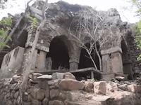 Kisah Nyata Seorang Pangeran Yang Mengucilkan Diri Ditengah Hutan di Delhi, India (Bag. I)