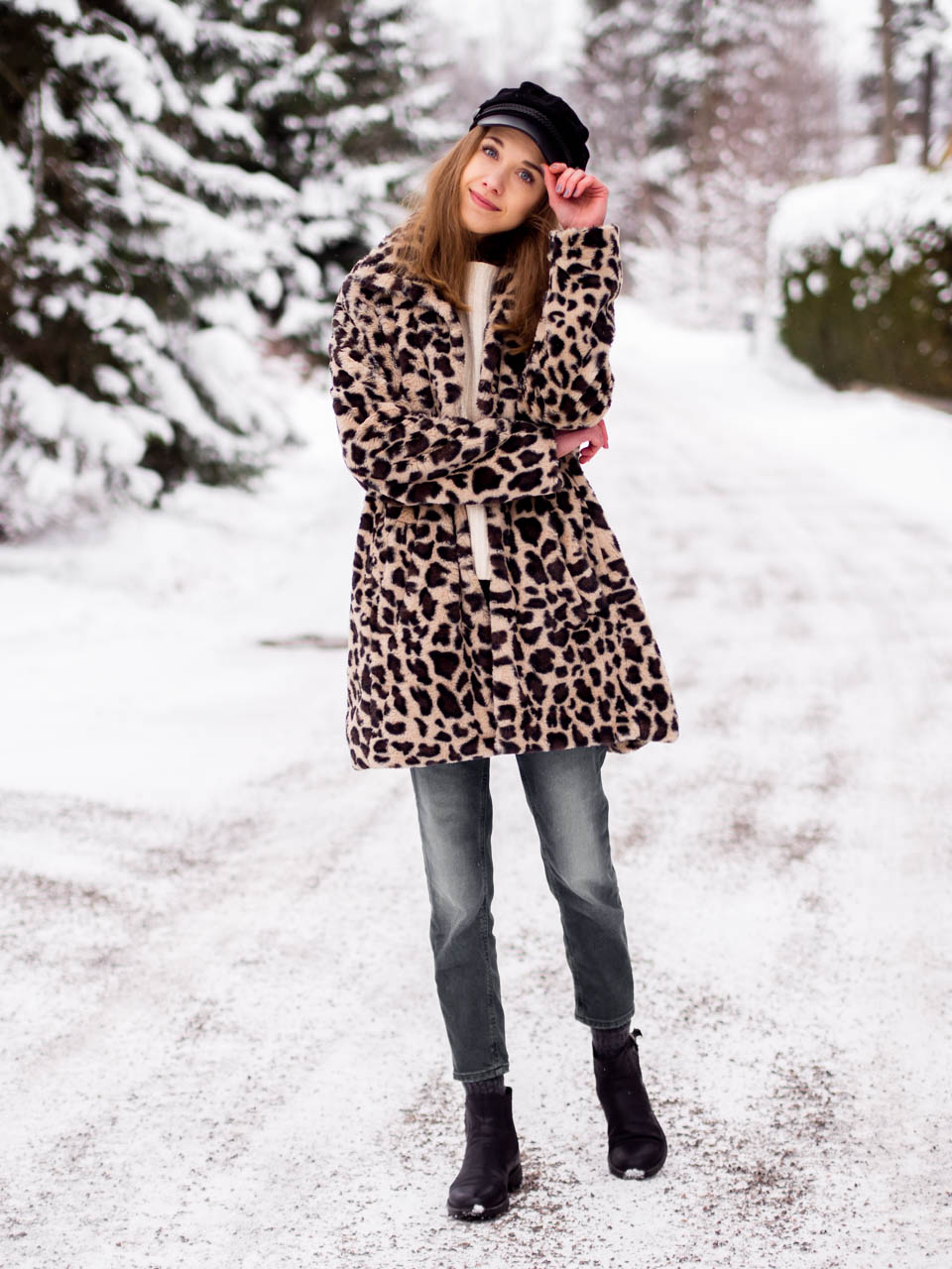 fashion-blogger-outfit-leopard-print-faux-fur-coat
