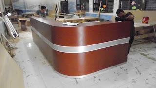 Meja Resepsionis Model Lengkung - Frontdesk - Furniture Semarang