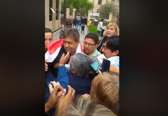 Cossío volvió del exilio de 9 años en el mismo mes de diciembre / EL PAIS