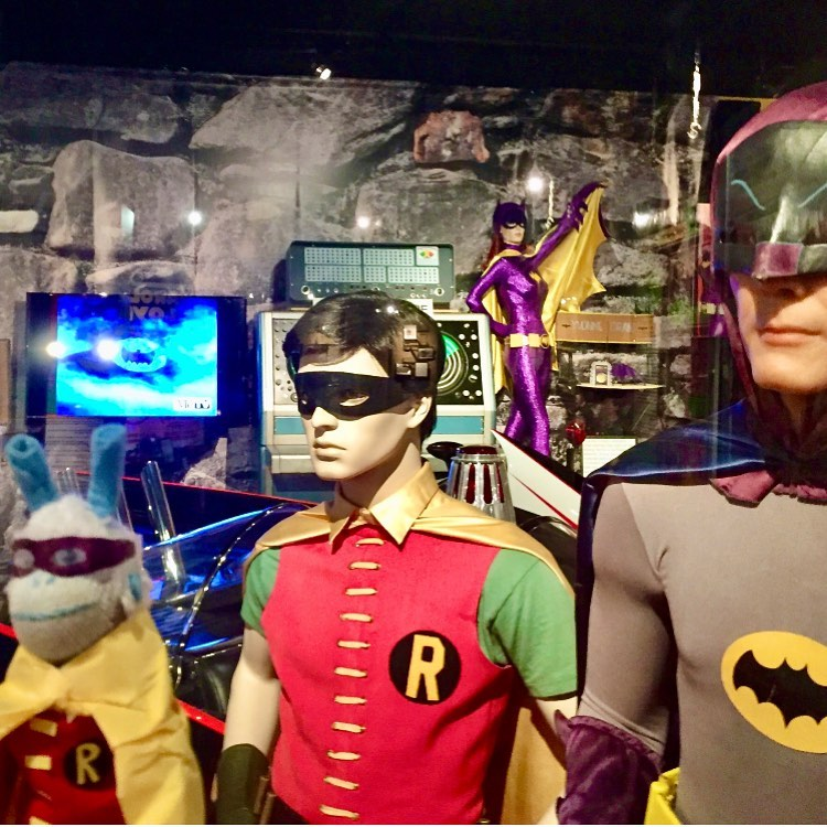 batman dan robin hood the holywood museum los angeles