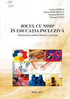 """coperta carte  """"Jocul cu nisip  în educaţia incluzivă: Ghid pentru cadrele didactice şi părinţi"""""""