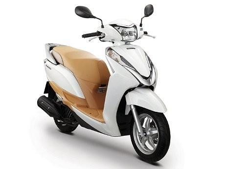 skuter matik honda lead 125 dirilis di Thailand