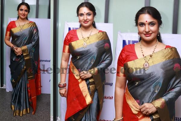 Suganya In Grey Silk Saree Saree Blouse Patterns