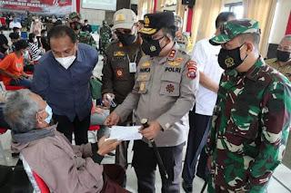 Kapolda Sumut Pantau Langsung Pelaksanaan Gebyar Vaksinasi Merdeka di Pakpak Bharat