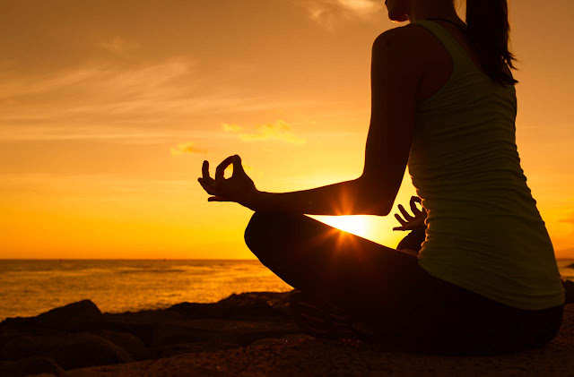 Hemos preparado una formación teórico práctica en la que además de los contenidos filosóficos y técnicos para la comprensión de la meditación