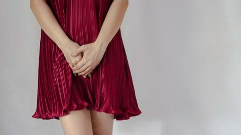 3 Mitos Soal Miss V, Benarkah Aman Dibersihkan Pakai Sabun Mandi?