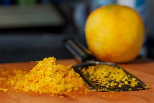Traitement de la peau à l'orange et au lait