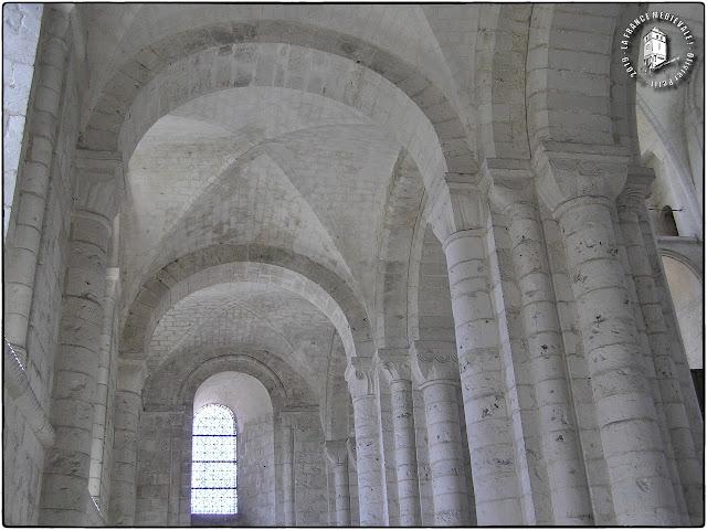 SAINT-MARTIN-DE-BOSCHERVILLE (76) - Abbatiale romane Saint-Georges de Boscherville (Intérieur)