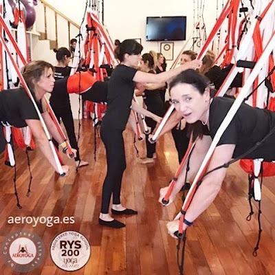 formación yoga aéreo, formación air yoga, yoga aéreo teacher training, aeroyoga online, yoga aéreo online, clases gratis yoga, clases aeropilates, aeropilates online