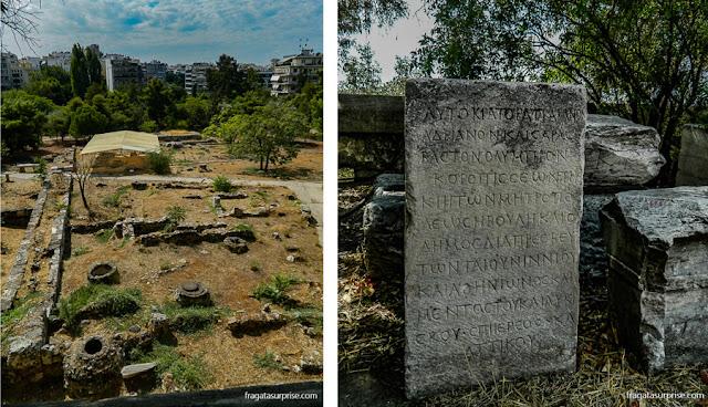Vestígios do Templo de Apolo Delphinios, no complexo do Olympeion  e inscrições escavadas na área