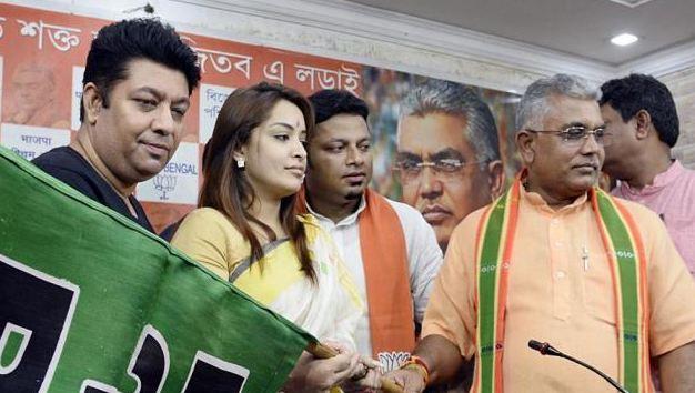 एक्ट्रेस रिमझिम मित्रा व दो अन्य BJP में शामिल - newsonfloor.com