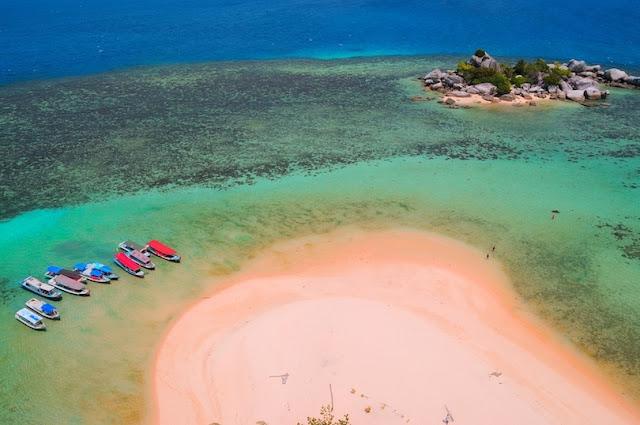 Pantai Lengkuas, Belitung, Sumatra