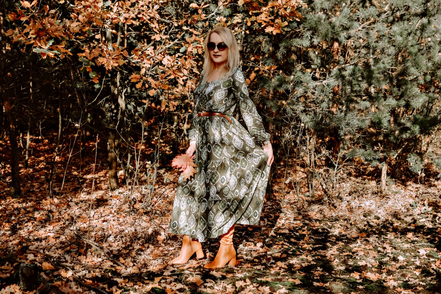 Oliwkowa sukienka maxi  Bonprix