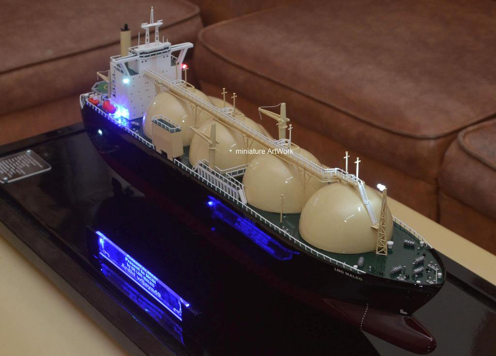 miniatur kapal maleo lng tanker ship rumpun art work planet kapal temanggung indonesia
