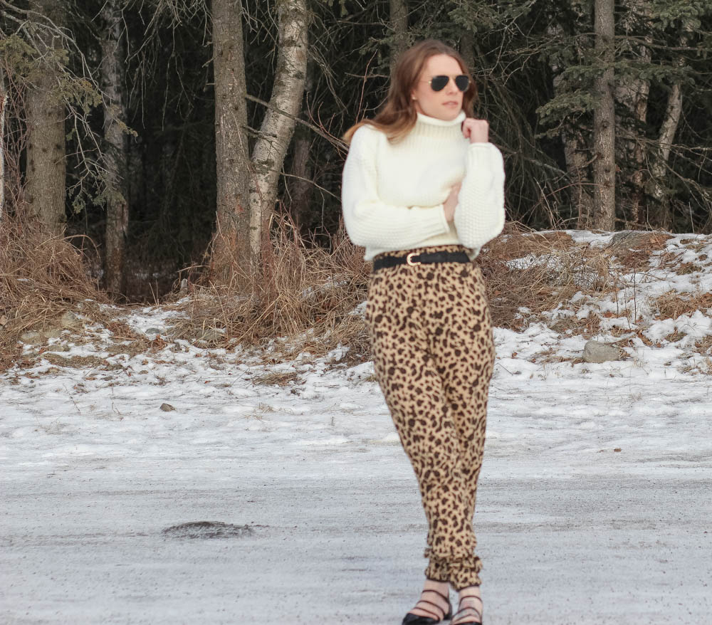 Cropped sweater-Leopard print pants