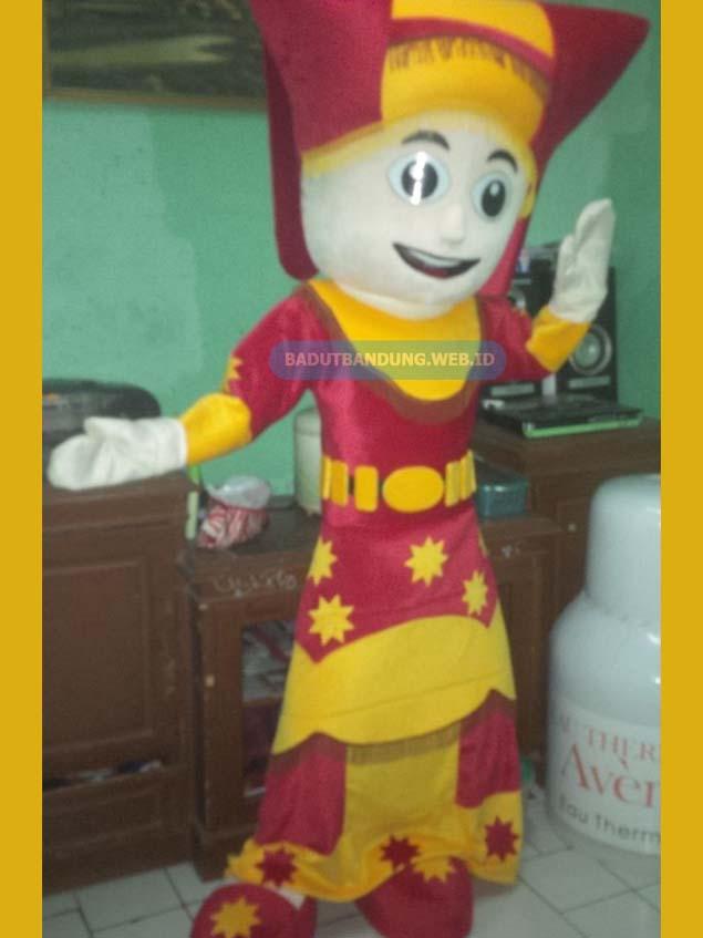 Badut pakaian adat maskot sumatera barat desain2