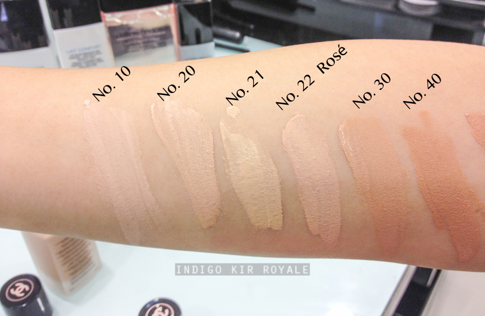 Les Beiges Healthy Glow Gel Touch Foundation  SPF 25 by Chanel #12