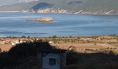 Πλούσια αρχαιολογικά ευρήματα σε νησίδα των Πρεσπών