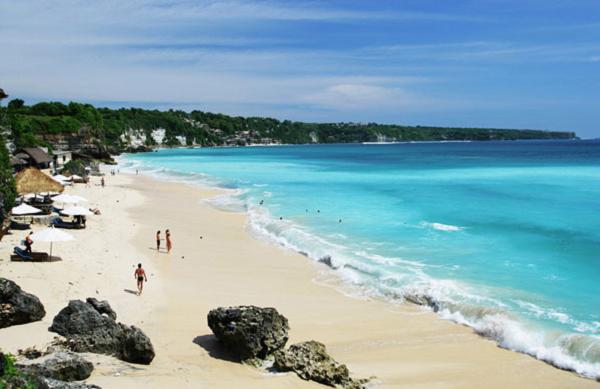 Gambar Tempat Wisata Pantai Dreamland Bali