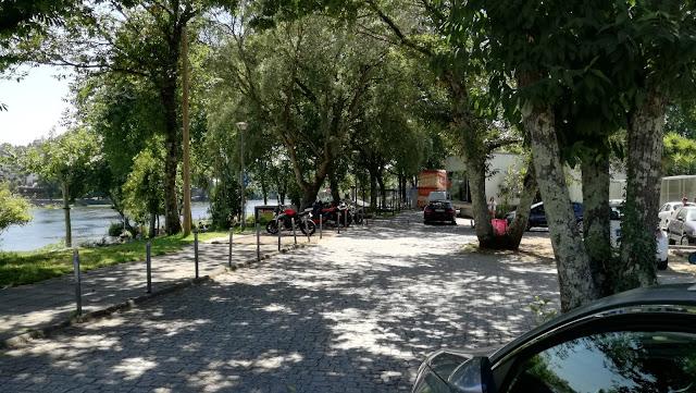 Parque de estacionamento para motas e Bicicletas