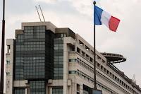 La dette publique de la France est en passe de se hisser au niveau de son produit intérieur brut (PIB), une évolution qui préoccupe fortement la Cour des comptes !