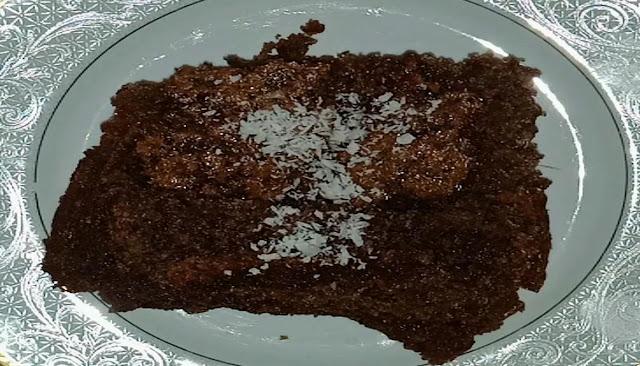 طريقة عمل كيكة الشيكولاتة بطريقة جديدة جدا الشيف محمد الدخميسي