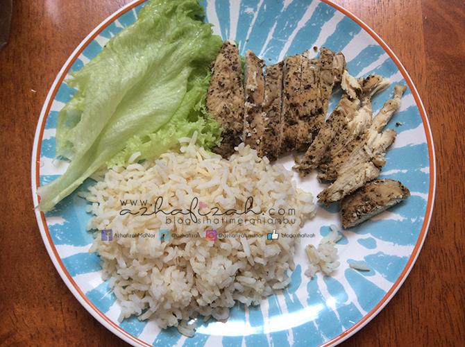 Makanan diet dari dada ayam dengan indikasi kalori