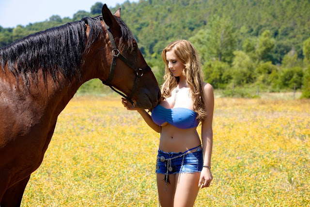 jordan-carver-quarter-horse-best-hot-photoshoot-sexy-image-in-hd-16