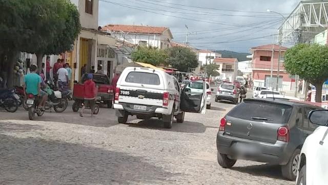 Vídeo: Tiroteio e prisão de bandidos são registrados na cidade de Conceição, no vale do Piancó na PB