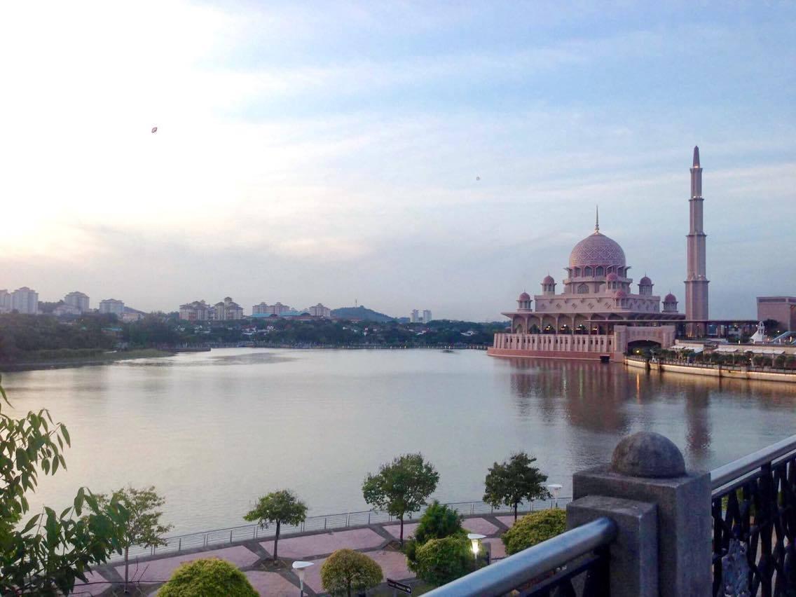 馬來西亞   2016 麻六甲+吉隆坡自助旅行 : 吉隆坡遊記 粉紅清真寺 - 高雄的新竹女孩