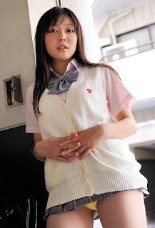 natsumi minagawa stripping naked pics 02