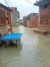 लगातार हो रही बारिश ने बढ़ा दी लोगों की मुश्किलें, घरो के अंदर तक पहुंचा बारिश का पानी