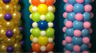 Bunte Ballonsäulen zum Selbermachen.
