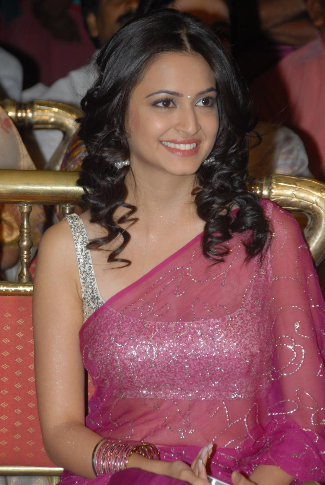 Kriti Kharbanda Latest Nice Stills In Red Saree
