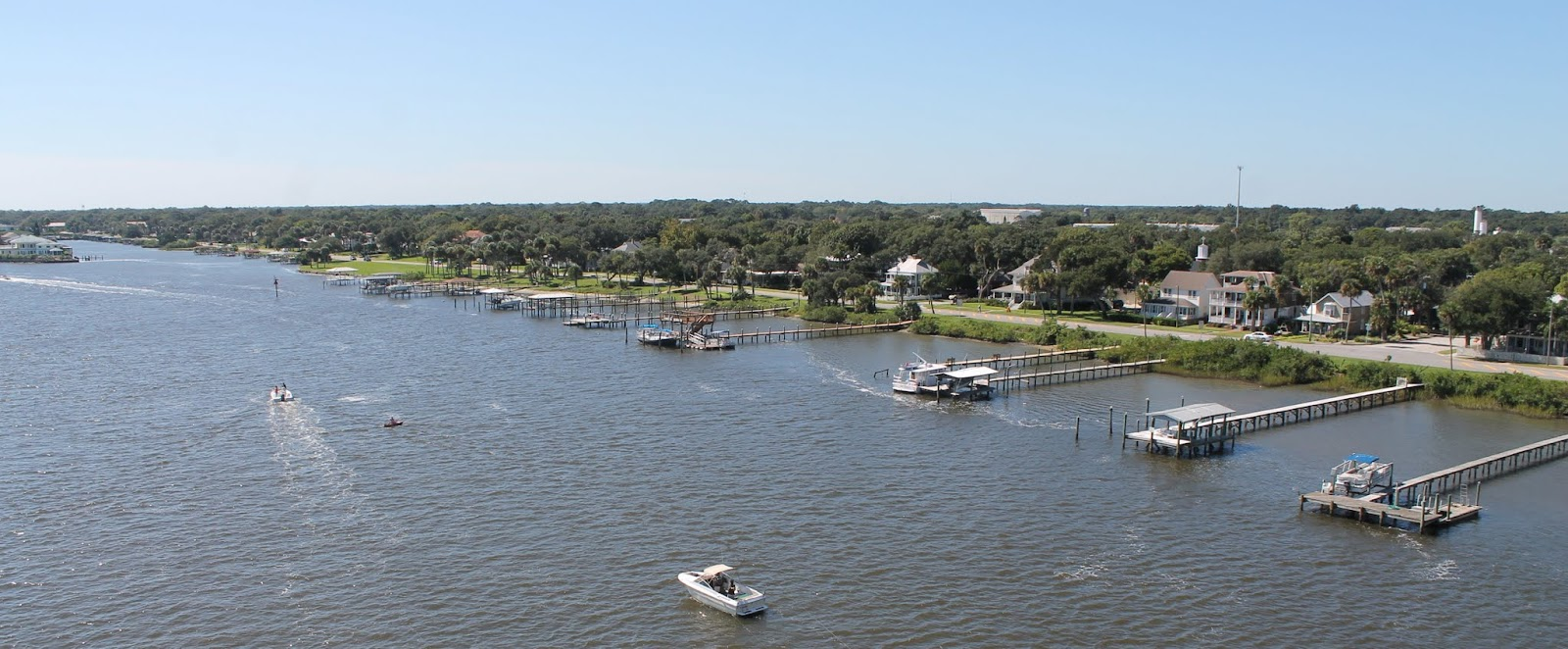 New Smyrna Beach y Halifax River, sector continental