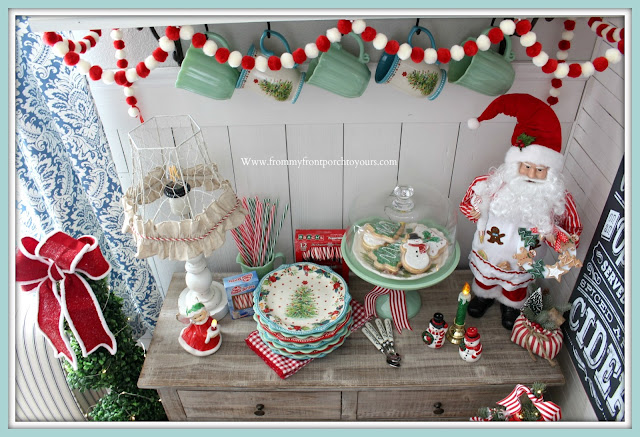 Farmhouse-Style-Cottage-Style-Pioneer-woman-Christmas-Plates-Santa-Vintage-Gingerbread-Jadeite-Breakfast Nook Christmas Decor-From My Front Porch To Yours