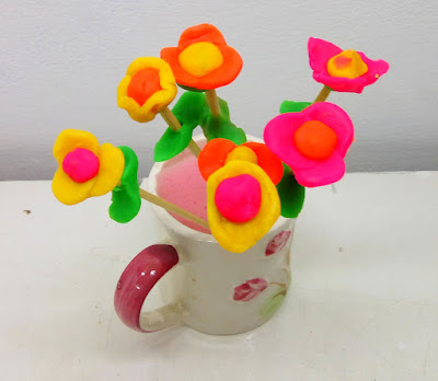 Bunga Setangkai dari Plastisin