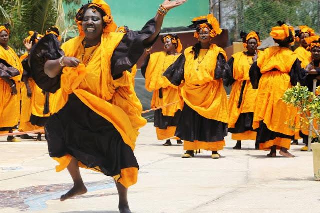 Carte postale des Lébous de Dakar au Sénégal : Culture, danse, événement, spectacle, femme, tradition, ethnie, rite, lebous, LEUKSENEGAL, Dakar, Senegal, Afrique