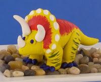 dinosaurio de plastilina