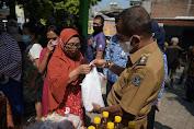 Gelar Operasi Pasar, Pemkot Surabaya Pastikan Warga Memperoleh Sembako Murah