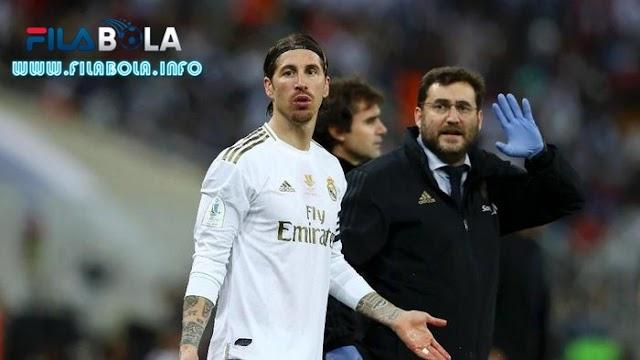 Sergio Ramos Dipastikan Absen Dua Pekan Karena Cedera Pergelangan Kaki