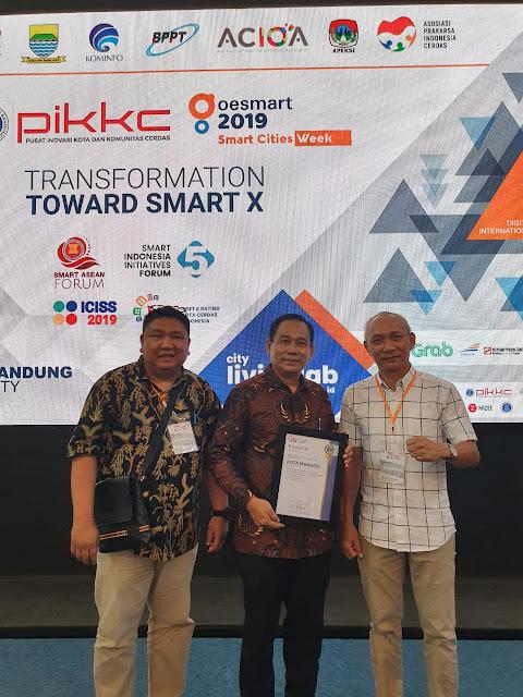 Pemkot Manado Raih Penghargaan Smart City Rating Kota Cerdas Indonesia 2019